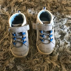 EUC Carter's sneakers